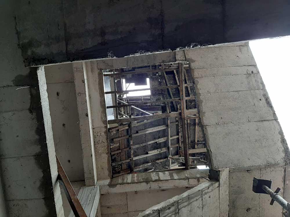 Khung cầu thang lắp đặt thang máy