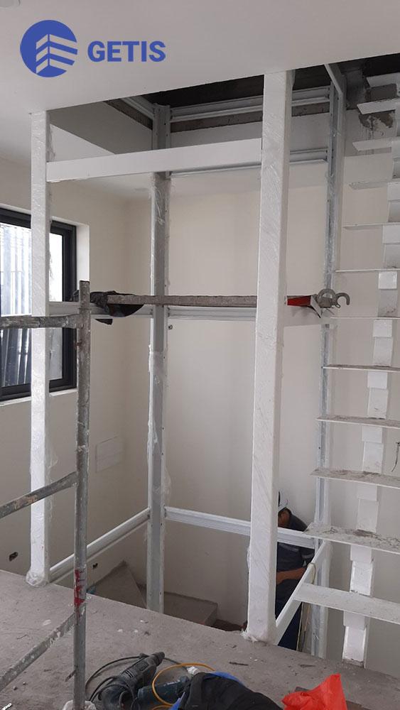 Khung thép thang máy tại gamuda