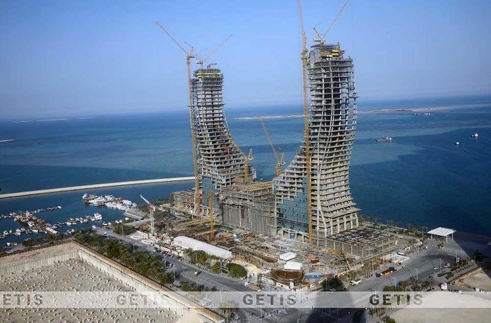 Quá trình xây dựng khách sạn ven biển