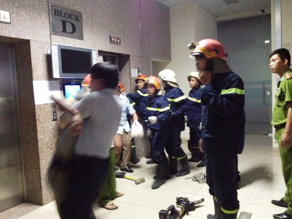HIểm họa khi sử dụng thang máy